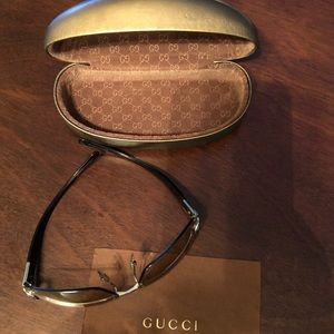 Like brand new only used once Gucci sunglasses